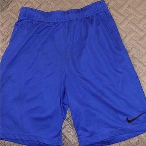 Nike shorts:medium